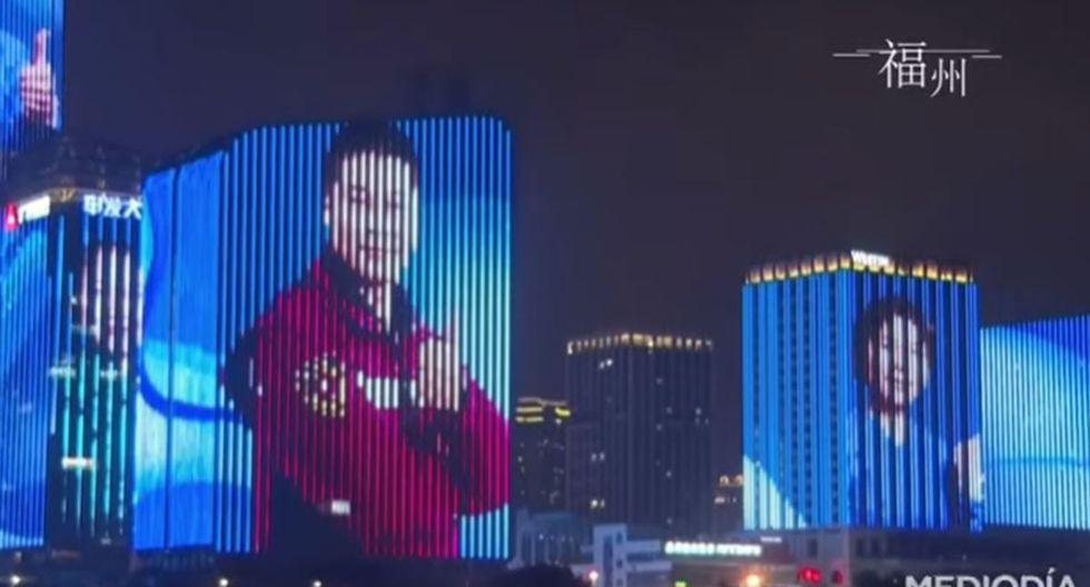 Los edificios más emblemáticos de China proyectaron los rostros de los profesionales de la salud. (YouTube: Noticias Telemundo)