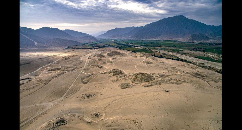 Vista panorámica de la Ciudad Sagrada de Caral, en medio del valle de Supe (provincia de Barranca).