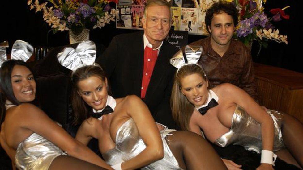 Karen McDougal (segunda desde la izquierda) fue durante varios años conejita de la revista Playboy.