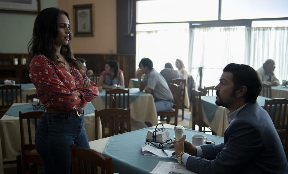 "Fernanda Urrejola y Diego Luna en escena de ""Narcos: México"". (Foto: Netflix)"