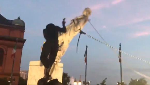 Derriban estatua de Cristóbal Colón en Baltimore en noche de protestas en Estados Unidos por el 4 de Julio. (Captura de video).