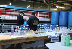 Cusco: Policía y fiscalía intervienen fábrica clandestina que adulteraba productos sanitarios