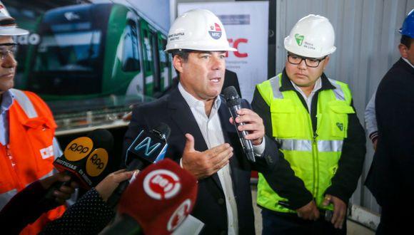 El ministro de transportes y Comunicaciones, Bruno Giuffra,   inspeccionó las obras de ampliación en la estación La Cultura, en San Borja. (MTC)
