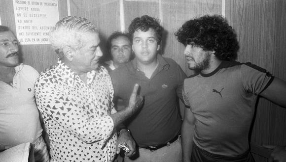 Micky de 16 años junto a Diego Armando Maradona (Foto: Archivo Histórico El Comercio)