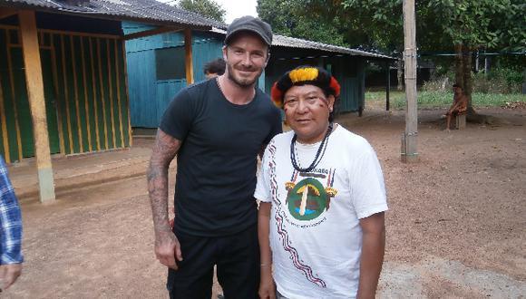 """David Beckham conoció a Davi, el """"Dalái Lama de la selva"""""""
