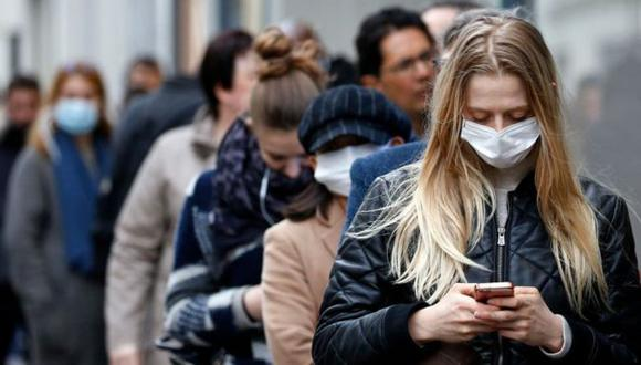 Los jóvenes asintomáticos podrían estar impulsando el coronavirus infección sin saberlo. (GETTY IMAGES).
