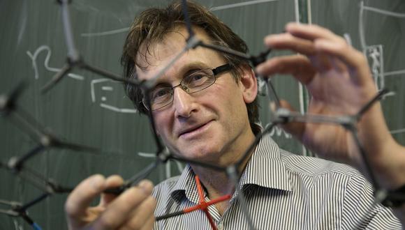 """""""Me siento como los hermanos Wright"""", dijo el holandés Bernard Feringa, uno de los tres ganadores del Nobel de Química de este año. (Foto: AP)"""