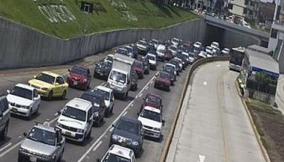 Solo el 20% de las ventas de vehículos ligeros se concreta mediante créditos del sistema financiero. (Foto: AméricaTV.com.pe