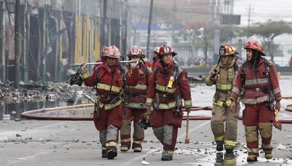 Presidente Francisco Sagasti destacó el trabajo voluntario de los bomberos. (Foto: GEC)