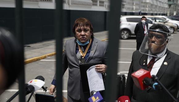 Richard Cisneros, conocido como Richard Swing, tuvo en su periplo de conferencias improvisadas la sede del Congreso y los exteriores de Palacio de Gobierno. (Foto: César Campos / GEC)