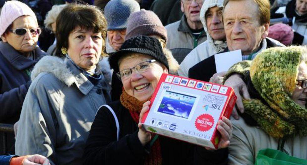 Uruguay inicia entrega gratuita de tablets para jubilados  - 2