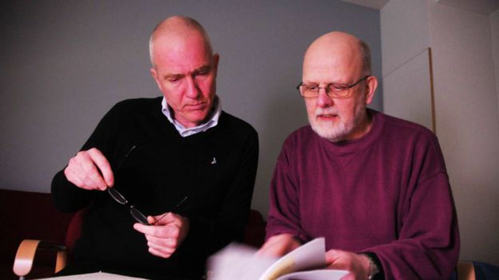 Hannes Råstam (izq) junto a Thomas Quick. Råstam era un periodista obsesivo con los detalles, en cuanto veía algo que no encajaba, no paraba hasta entender lo que ocurría. Foto: SVT/LARS GRANSTRAND, vía BBC Mundo