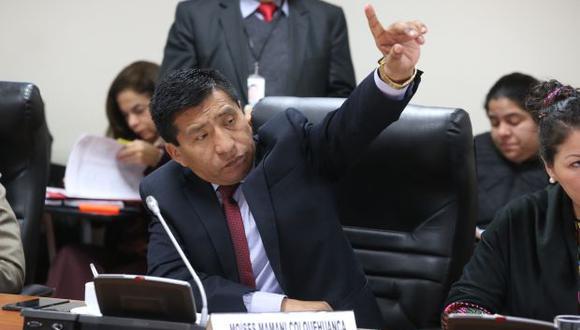 Moisés Mamani manifestó que tuvo que suspender su vuelo porque sufrió una descompensación producto de la diabetes que padece. (Foto: Congreso)