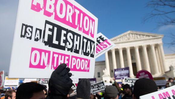 """Activistas contra el aborto participan en la """"Marcha por la Vida"""", un evento anual para conmemorar el aniversario del caso de la Corte Suprema de 1973 Roe v. Wade. (Foto: AFP)"""