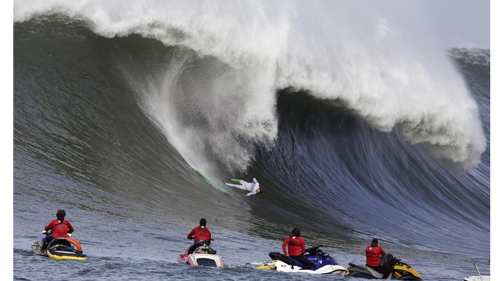 Las espectaculares olas del torneo de tabla de Mavericks - 1