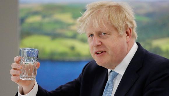 """Boris Johnson es investigado por lujosas vacaciones en el Caribe """"regaladas"""" por un donante conservador. (Foto: PHIL NOBLE / POOL / AFP)."""