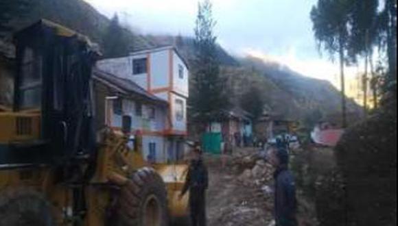La evaluación de daños en la zona reveló que actualmente existe una institución educativa destruida y otra afectada, además de un local comunal y un centro de salud dañados, así como un puente peatonal colapsado (Foto: COEN)