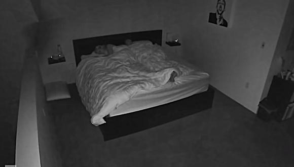 Un video viral, grabado por una cámara de seguridad, le ayudó a una pareja a descubrir por qué no podían descansar bien de noche. (Foto: pillowtalkTK / YouTube)