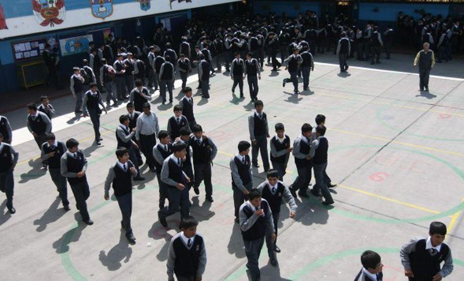 Defensoría pide garantizar recuperación de clases por protestas en sur del país