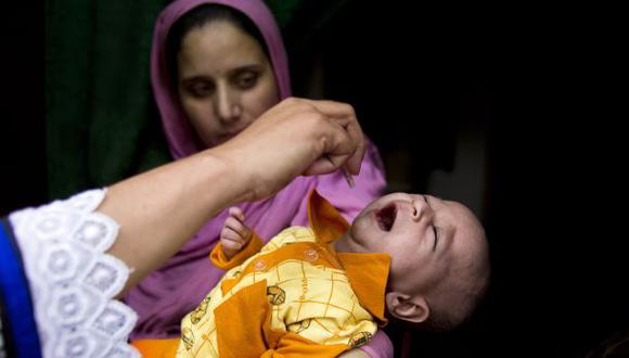 Pakistán: detienen a 500 padres por no vacunar a sus hijos