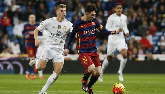 Kroos en escena con Messi en un clásico del fútbol español. (Foto: Reuters)