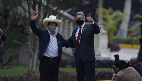 Pedro Castillo y Francisco Sagasti sostienen su primera reunión en Palacio de Gobierno (Foto: Hugo Perez / @photo.gec)