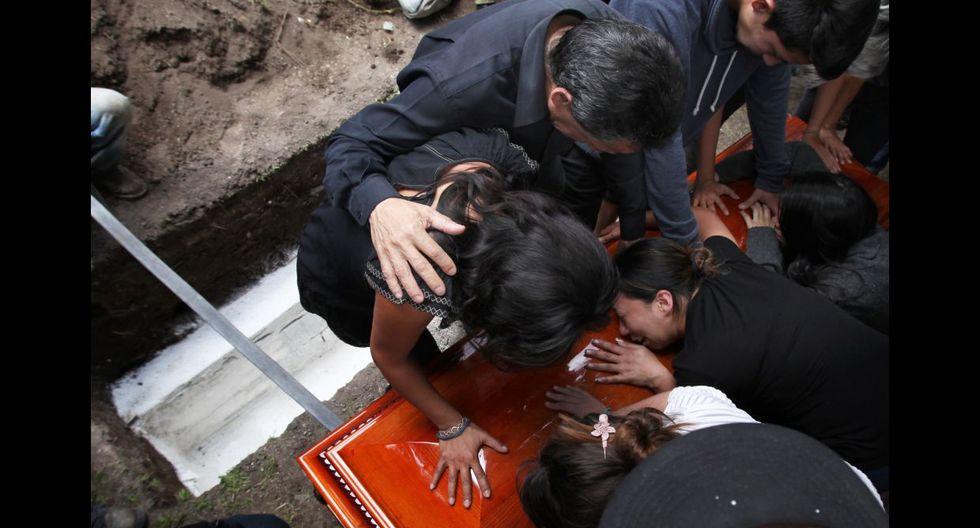 México despide a fotoperiodista asesinado y clama justicia - 6
