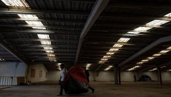 El refugio temporal se ubica cerca del primer albergue que se instaló en la Unidad Deportiva Benito Juárez, en la zona norte de la ciudad mexicana. (Foto: AFP)