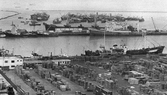 La mañana de ese 10 de setiembre de 1920, tres lanchas repletas de cajones de dinamitas explotaron en el puerto del Callao. La terrible detonación sacudió todo Lima. (Foto: GEC Archivo Histórico)