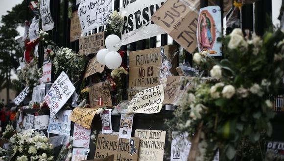 Homenaje a los dos jóvenes fallecidos durante las protestas: Jack Pintado e Inti Sotelo. (Foto: El Comercio).