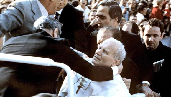 El 13 de mayo de 1981, el papa Juan Pablo II recibió varios impactos de bala disparados por Mehmet Ali Agca. (AFP).