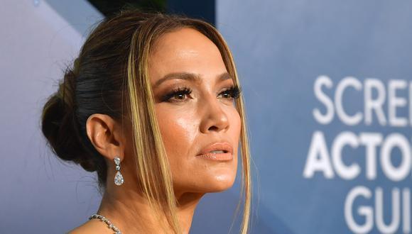 Jennifer Lopez contó que pandemia la acercó un poco más a su madre. (Foto: AFP)