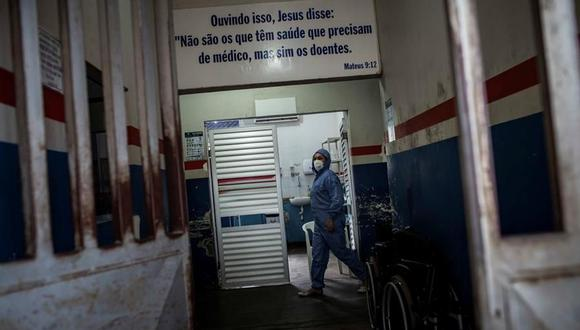 El Ministerio de Salud de Brasil registró en su boletín diario del viernes 31.911 nuevos positivos por coronavirus, que elevan el balance total a 4.689.613 infectados. (EFE / Raphael Alves /Archivo).