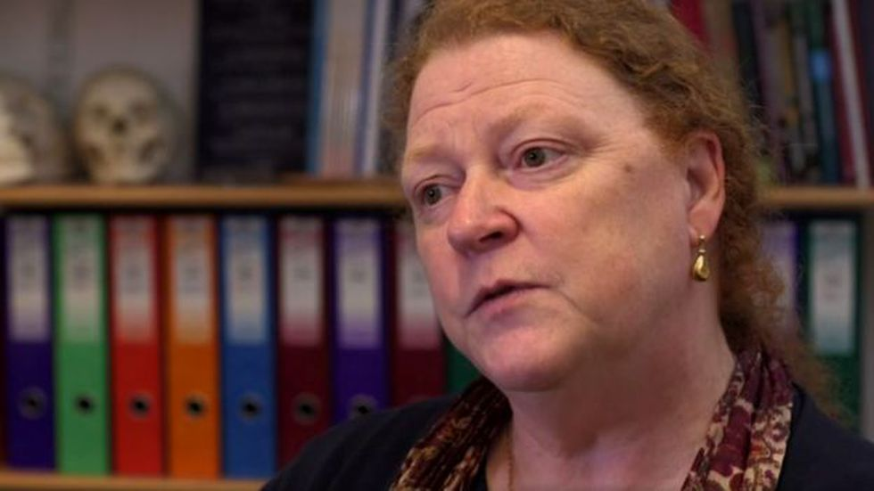 La profesora Sue Black, del Centro de Anatomía Humana de la Universidad de Dundee, afirma que los nudillos y los patrones de las venas son individuales para cada quien. (Foto: BBC Mundo)