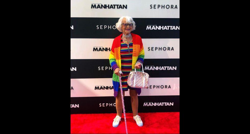 A pesar de su edad no se amilana ante nada. En su cuenta muestra sus looks coloridos y también sensuales. (Foto: @baddiewinkle)