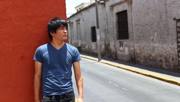 """El escritor ileño acaba de publicar """"Peruanos de segunda mano"""", su segundo libro."""