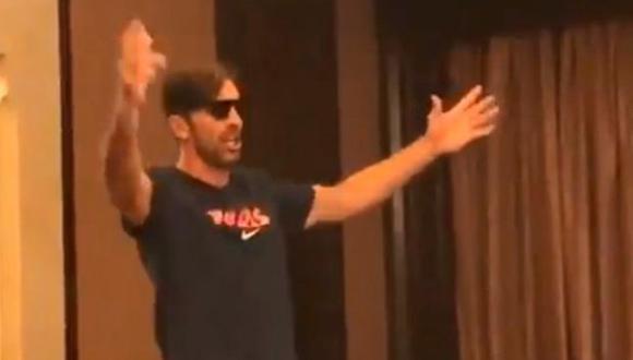 El canto de Buffon fue ovacionado por sus compañeros. (Foto: Captura)