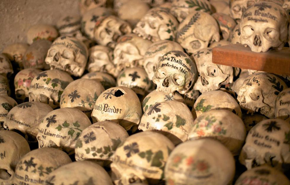 La Casa de lo Huesos: Mira esta capilla llena de cráneos - 1