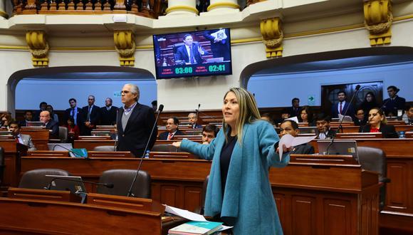 Yeni Vilcatoma exigió que se le reponga el personal de seguridad. (Foto: Congreso)