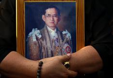 Un escritor tailandés es condenado a cuatro años de cárcel por lesa majestad