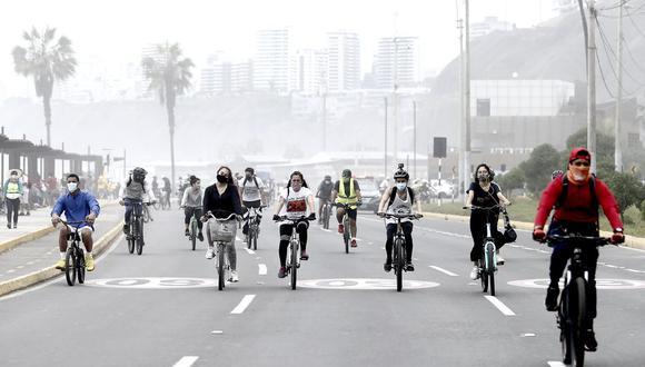 'Domingo sin autos' es una iniciativa de la Municipalidad de Lima que busca brindar espacios en distintos puntos de la capital para la realización de actividades recreativas y saludables.(Foto: Jesús Saucedo / @photo.gec