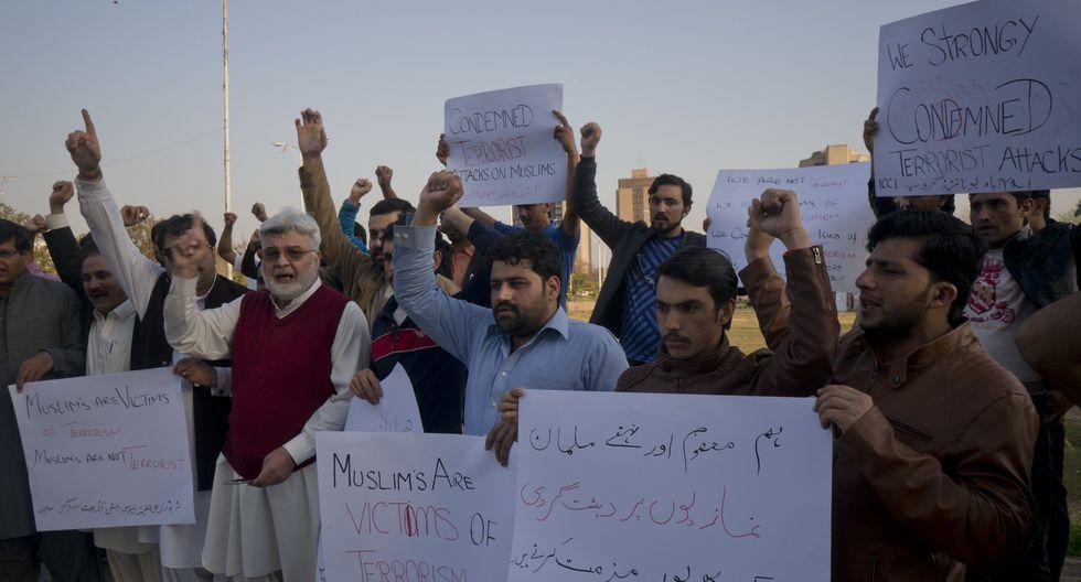 Pakistán | Musulmanes del mundo se manifestaron denunciando la masacre perpetuada por Brenton Tarran en la mezquita de Al Noor de Christchurch en Nueva Zelanda. (AP)