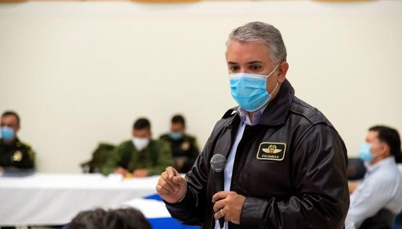 Imagen muestra al presidente Iván Duque durante una reunión con autoridades y manifestantes en Cali, Colombia, el 10 de mayo de 2021. (EFE/EPA/Nicolas Galeano/Presidencia Colombia).