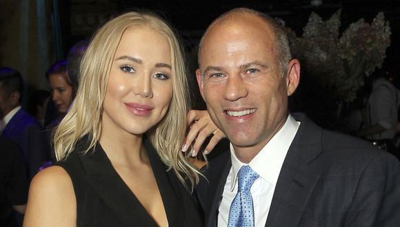 Septiembre de 2018. El abogado Michael Avenatti posa con Mareli Miniutti en una fiesta en Nueva York.   Foto: AP