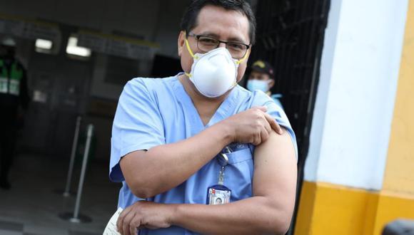 La llegada de las primeras vacunas ante el coronavirus da optimismo a los mercados locales. (Foto: Britanie Arroyo / @photo.gec)