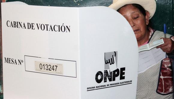 Los ciudadanos están a la expectativa de saber qué local de votación les asignaron. (Foto: STR / AFP)