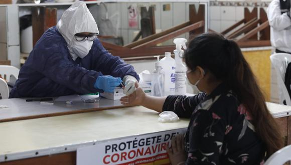 En julio, se realizó el estudio de prevalencia en Lima y el Callao, el cual estimó que el 25% de la población había contraído el virus.(Foto: Diana Marcelo)