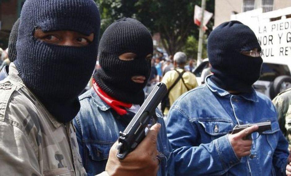 Venezuela: Colectivos armados retuvieron caravana de Juan Guaidó cuando se disponían ir a Punto Fijo. (BBC Mundo)