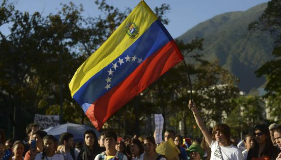 Sepa aquí a cuánto se cotiza el dólar en Venezuela este 28 de enero de 2021. (Foto: AFP)