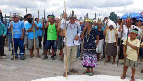 Nativos acuerdan bloquear el río Marañón como protesta